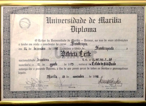 Certificado do Curso de Fisioterapia pela Universidade de Marília - 23 de novembro de 1998